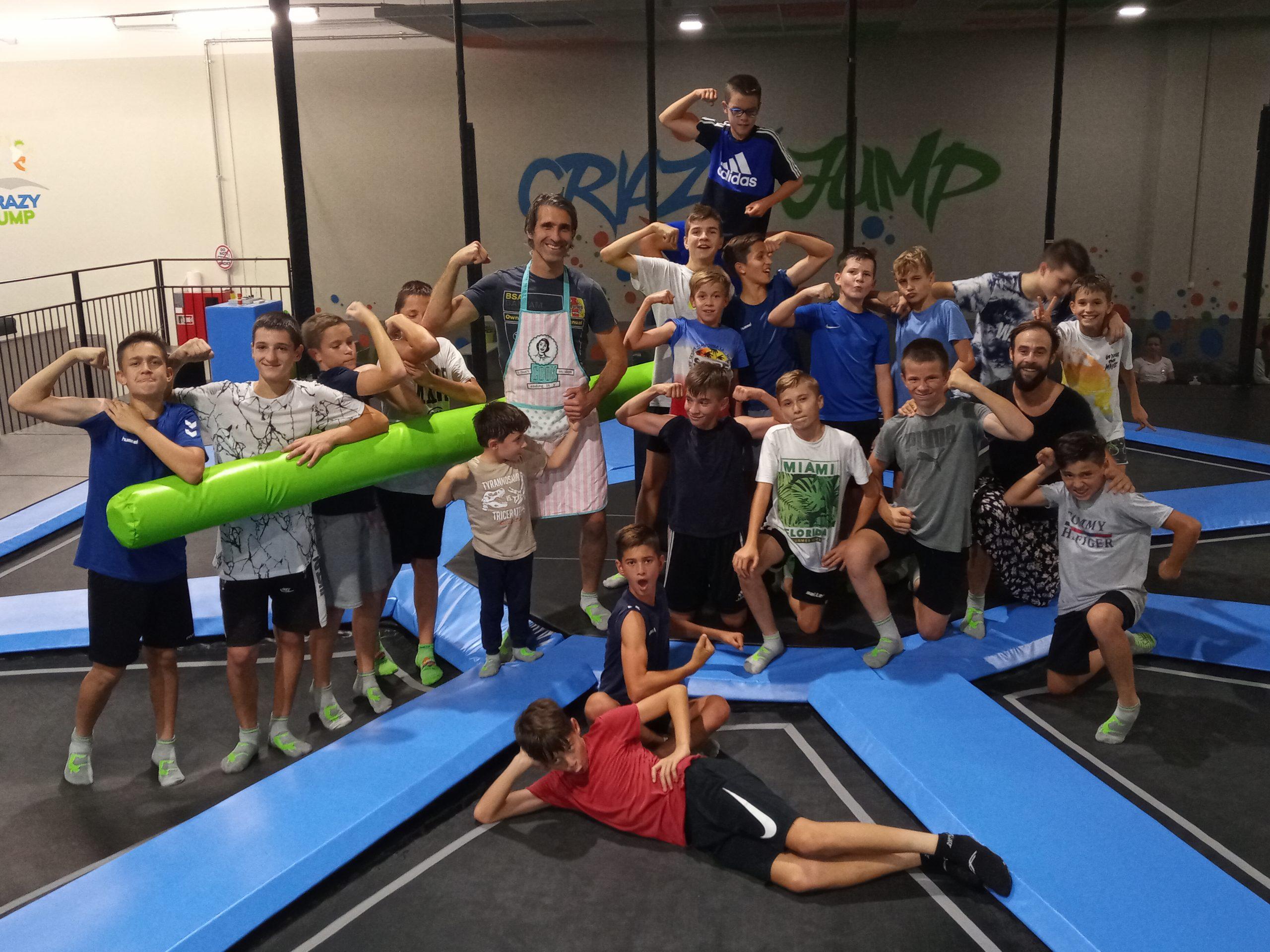 Csapatépítés és edzés egyben: Crazy Jump